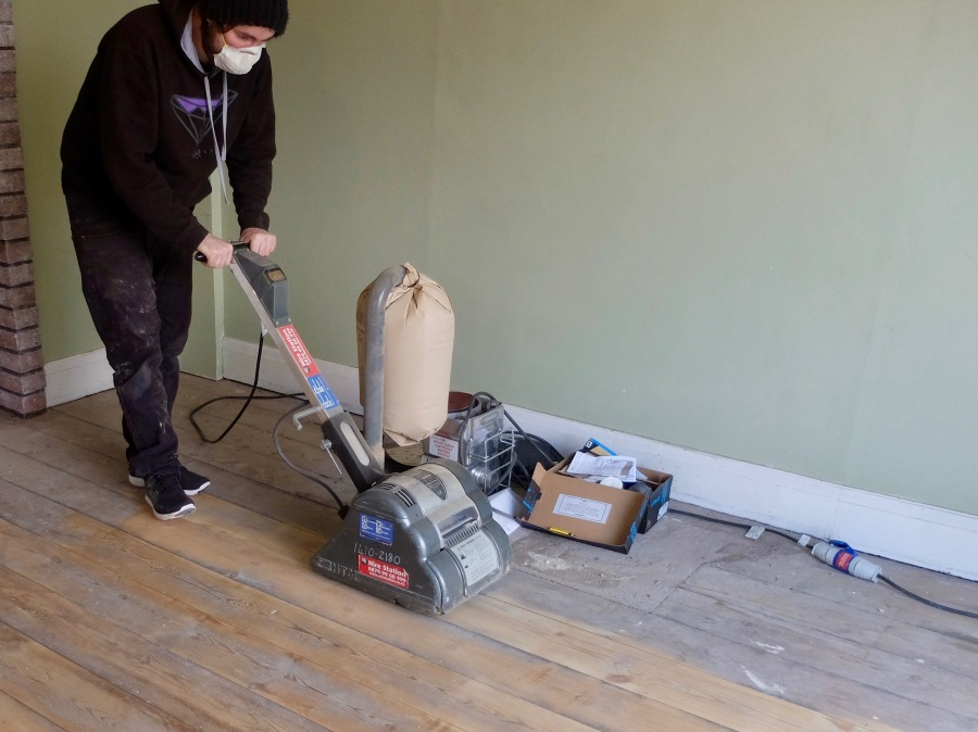 sanding-floorboards-10